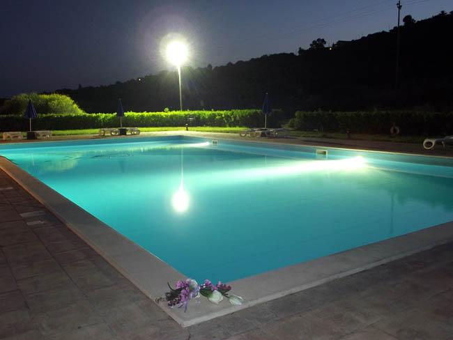 Progettezzione piscine messina realizzazione piscina for Piscina roses