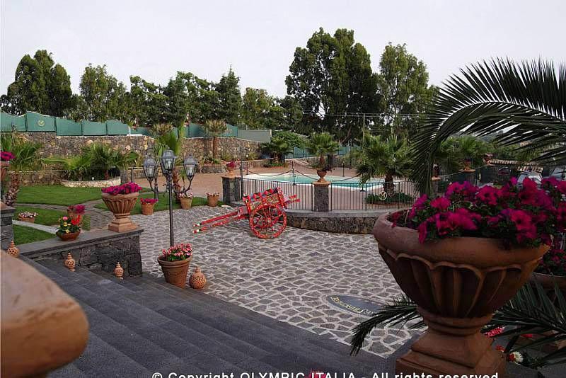 Costruzione piscine prefabbricate realizzazione piscina pubblica per ricevimenti villa casale - Piscina pubblica roma ...