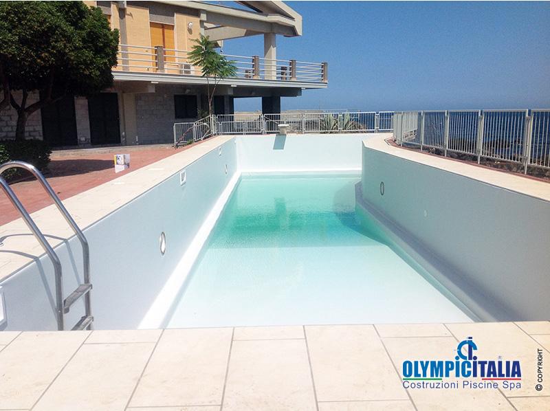 Ristrutturazione piscina in muratura skimmer bocca larga - Piscina in muratura ...